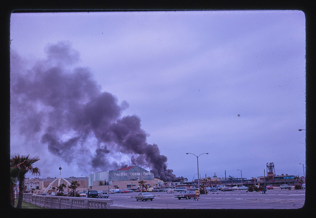 8 x 12 Photo of Ocean Park Pier fire, Santa Monica, California 1978 Margolies, John 42a