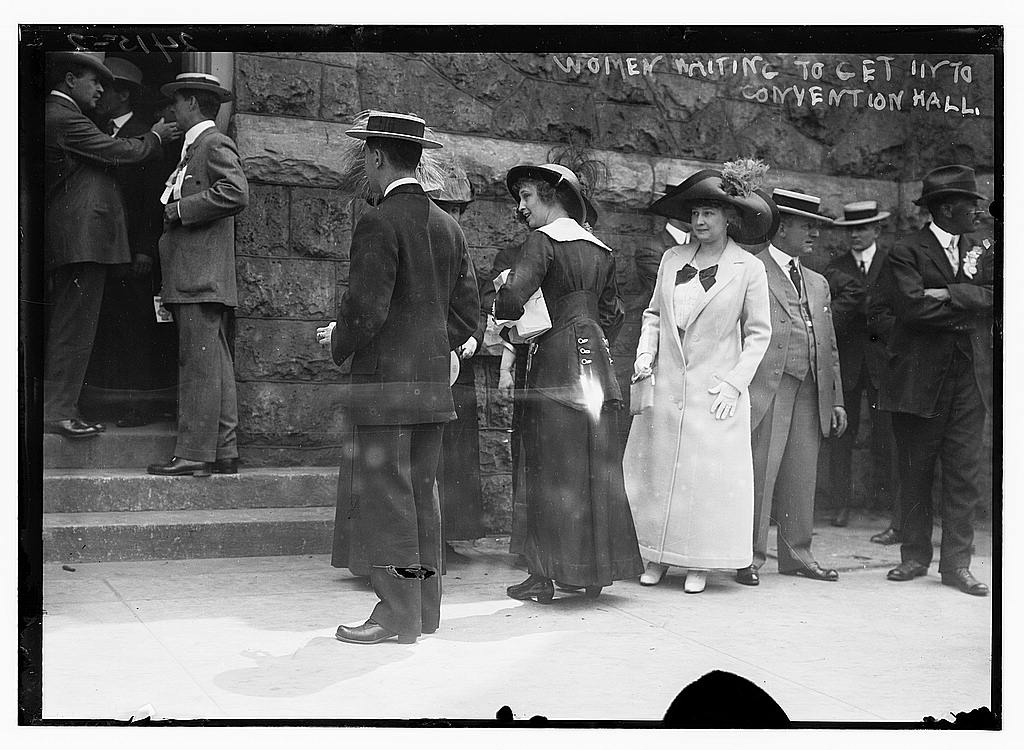 8 x 10 Photo of Women waiting to get into Convention Hall 1912 G. Bain Collection 79a