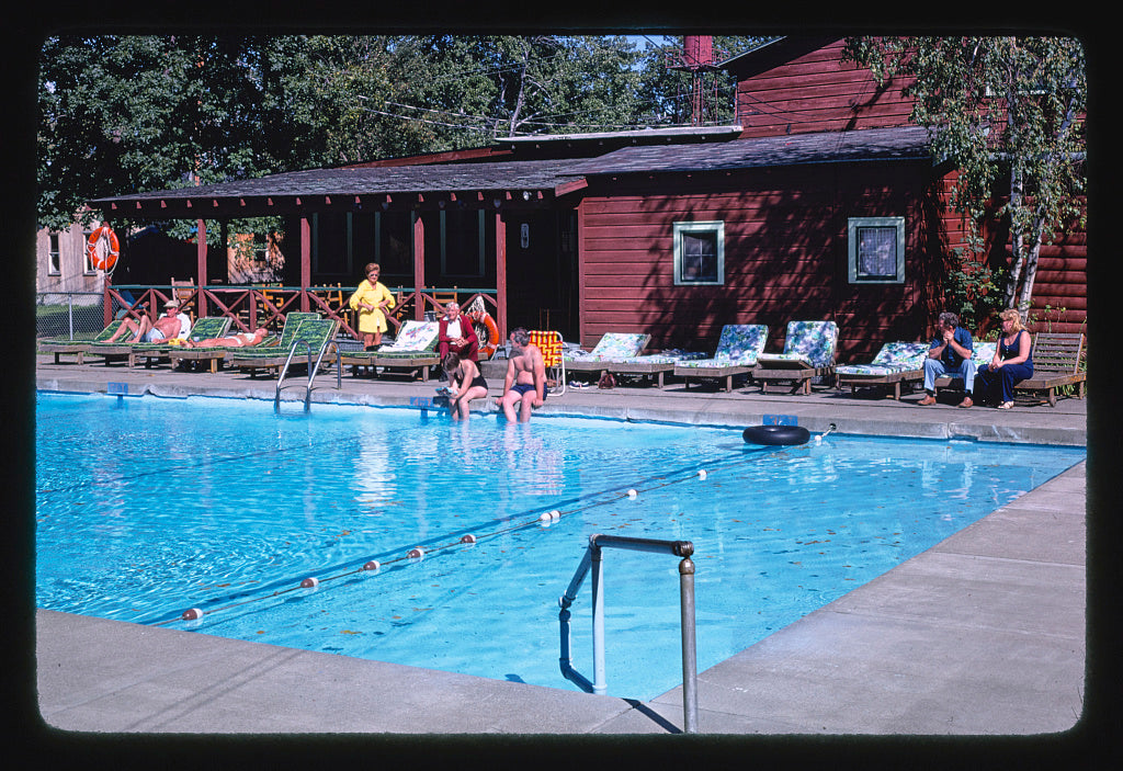 8 x 12 Photo of Bavarian Manor, pool, Purling, New York 1977 Margolies, John 79a