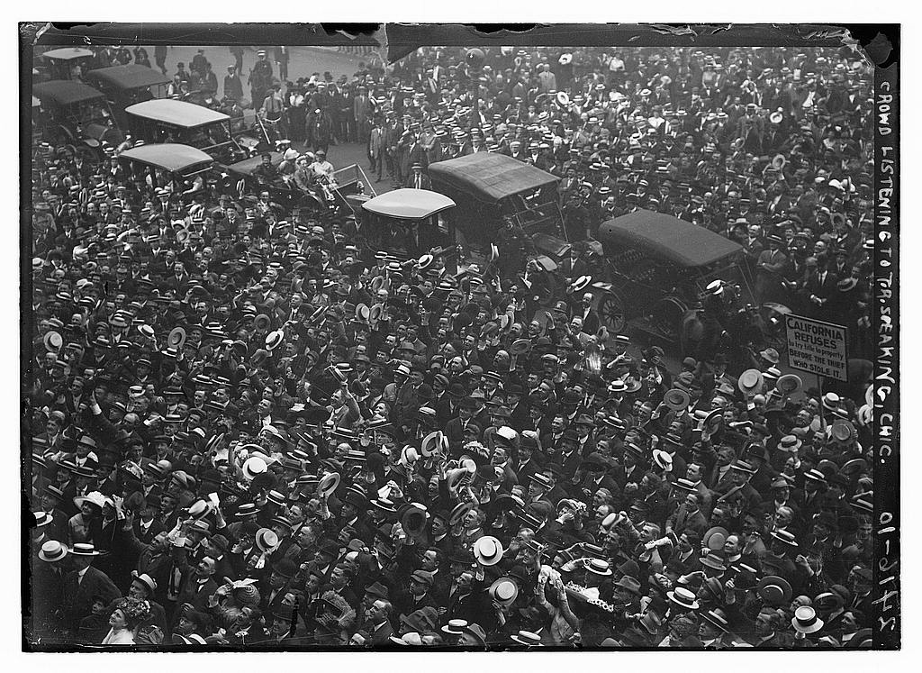 8 x 10 Photo of Crowd listening to T.R. Theodore Roosevelt speak, Chicago 1912 G. Bain Collection 96a