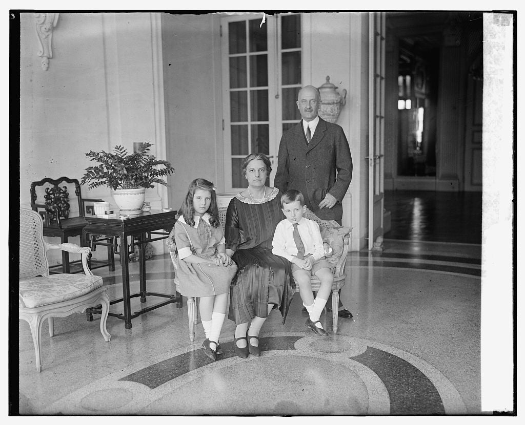 16 x 20 Gallery Wrapped Frame Art Canvas Print of  Irving Laughlin & family 1924 National Photo Co  92a
