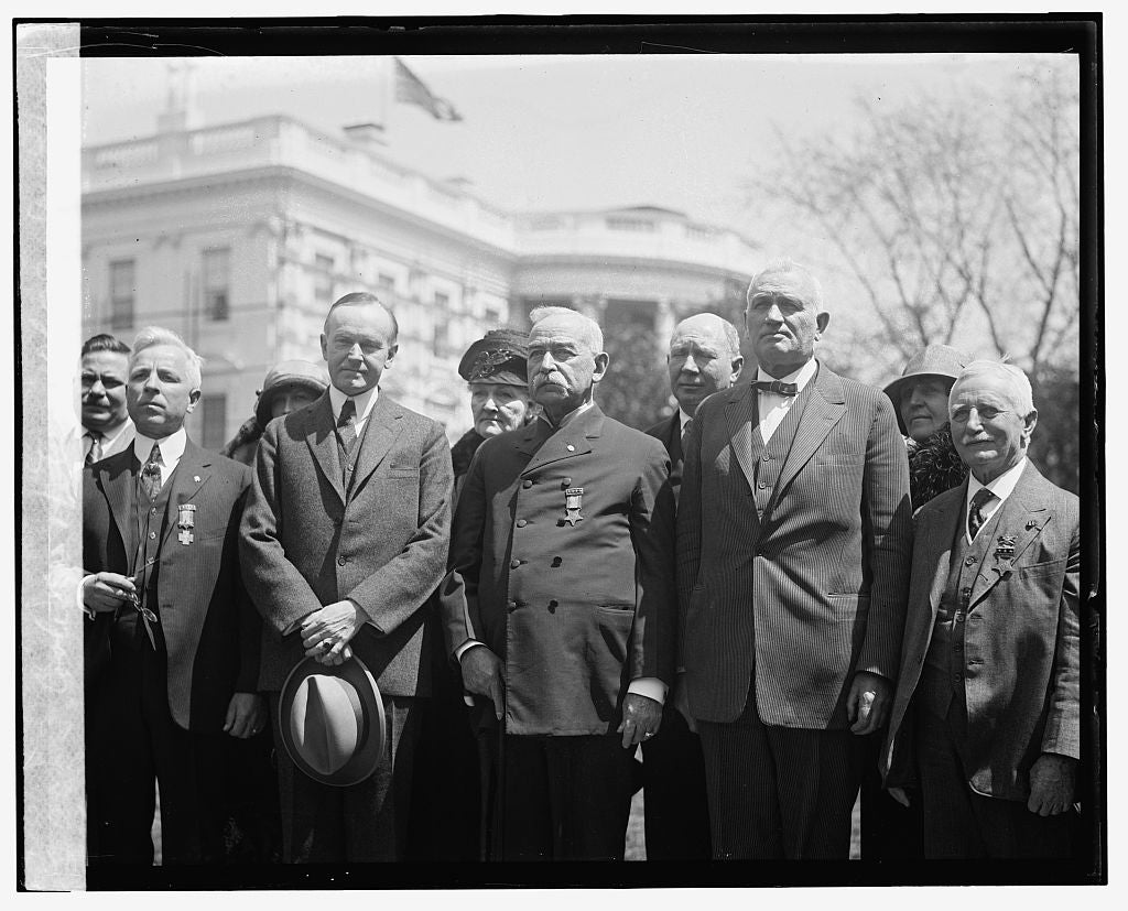 16 x 20 Gallery Wrapped Frame Art Canvas Print of  Coolidge & veterans of G.A.A. & S.W.V., 4/13/24 1924 National Photo Co  53a