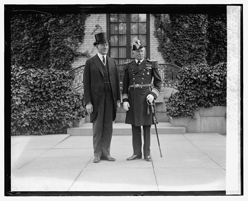 16 x 20 Gallery Wrapped Frame Art Canvas Print of Wilbur & Adml. Wilson, 5/2/24 1924 National Photo Co  45a