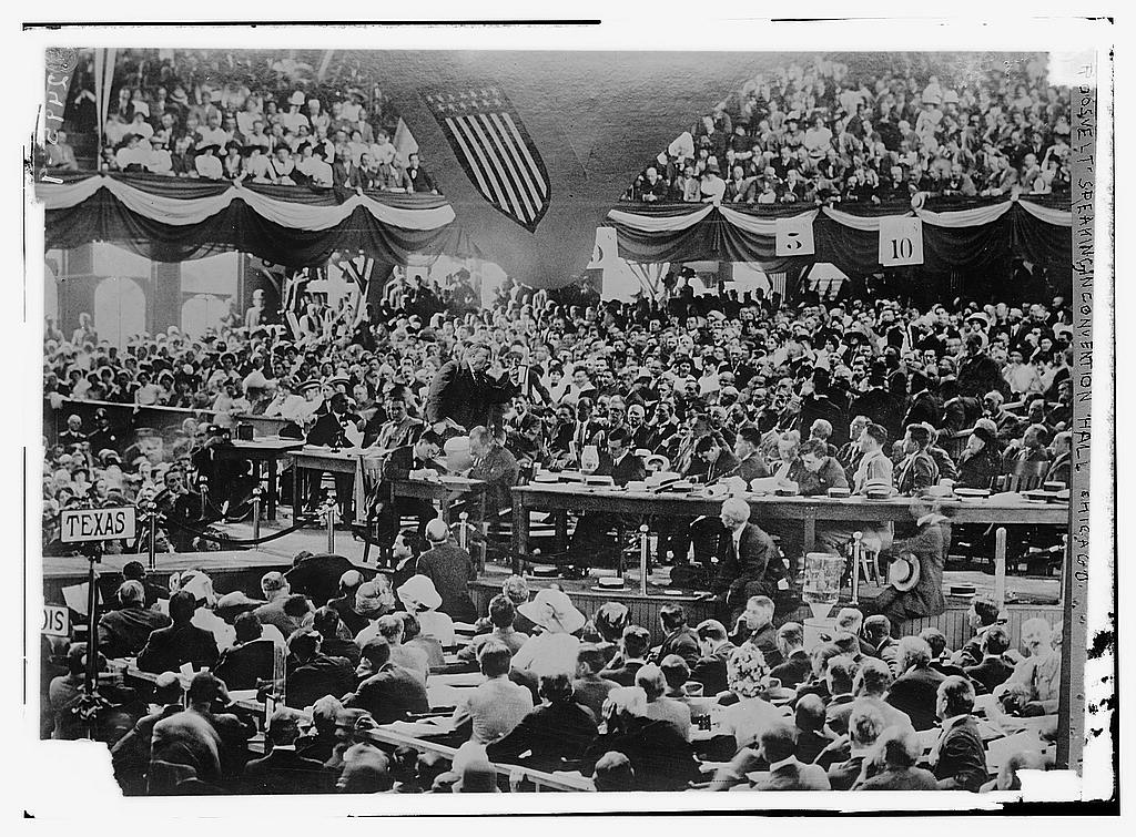 8 x 10 Photo of Roosevelt speaking in convention hall, Chicago 1912 G. Bain Collection 27a