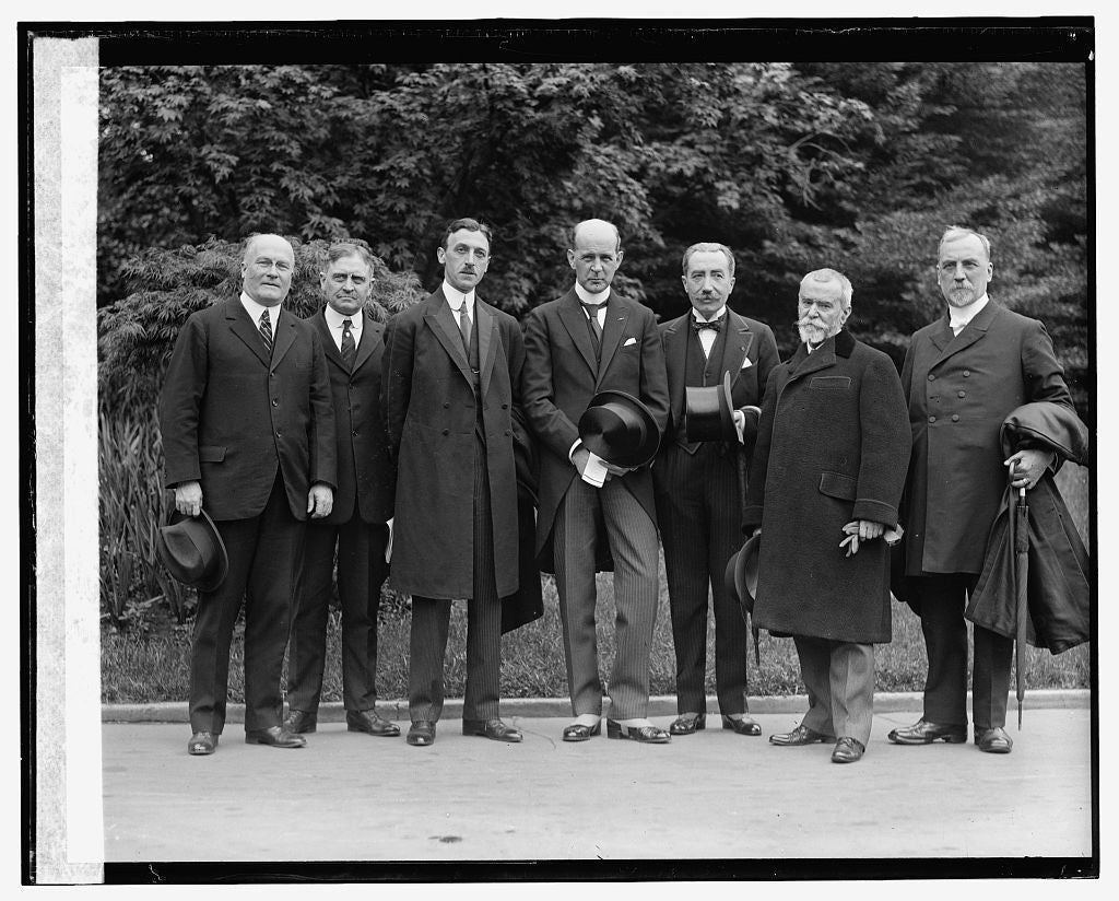16 x 20 Gallery Wrapped Frame Art Canvas Print of Seven unidentified men, 5/10/24 1924 National Photo Co  23a
