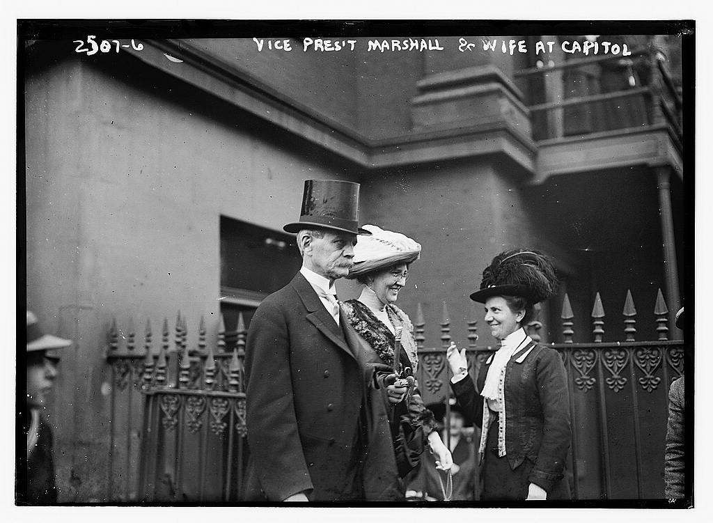 8 x 10 Photo of V.P. Marshall and wife at Capitol 1913 G. Bain Collection 79a