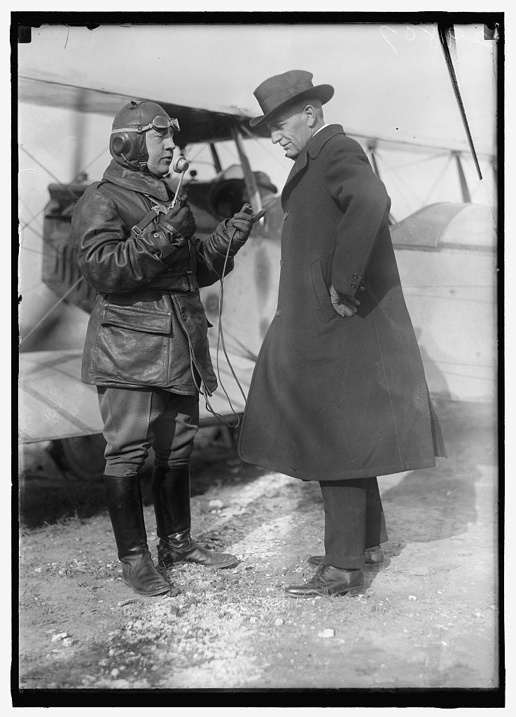 8 x 10 Reprinted Old Photo of Adams, A.K. Comdr. U.S.N.: Chief Div. Of Aernautics, Bur. Of Steam Eng. Navy Dept. R. With Col. C.C. Culver, U.S.A. In Charge Of Airplane Radio De 1918 Harris & Ewing 77a