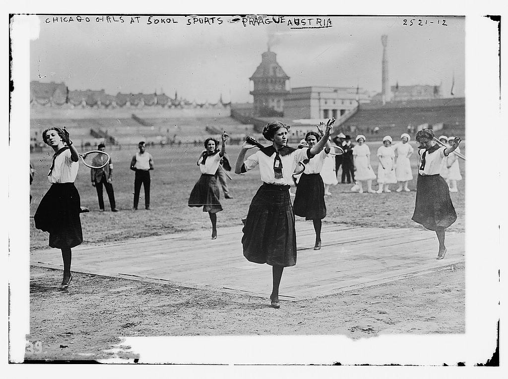 8 x 10 Photo of Chicago girls at Sokol Sports, Prague, Austria 1912 G. Bain Collection 09a