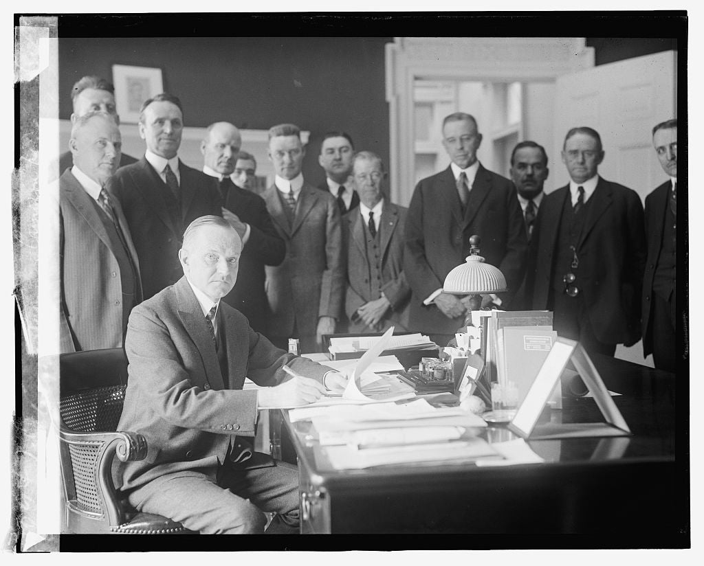 16 x 20 Reprinted Old Photo ofCoolidge signing Cameron bill 1924 National Photo Co  28a