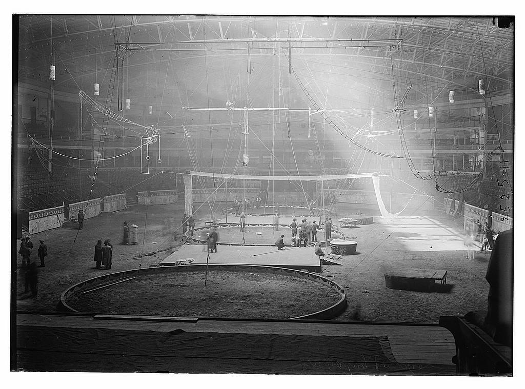 8 x 10 Photo of Interior of Madison Square Garden, New York City, preparing for circus week 1913 G. Bain Collection 65a