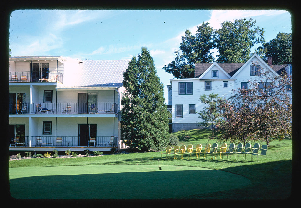 8 x 12 Photo of Thompson House, Windham, New York 1977 Margolies, John 13a