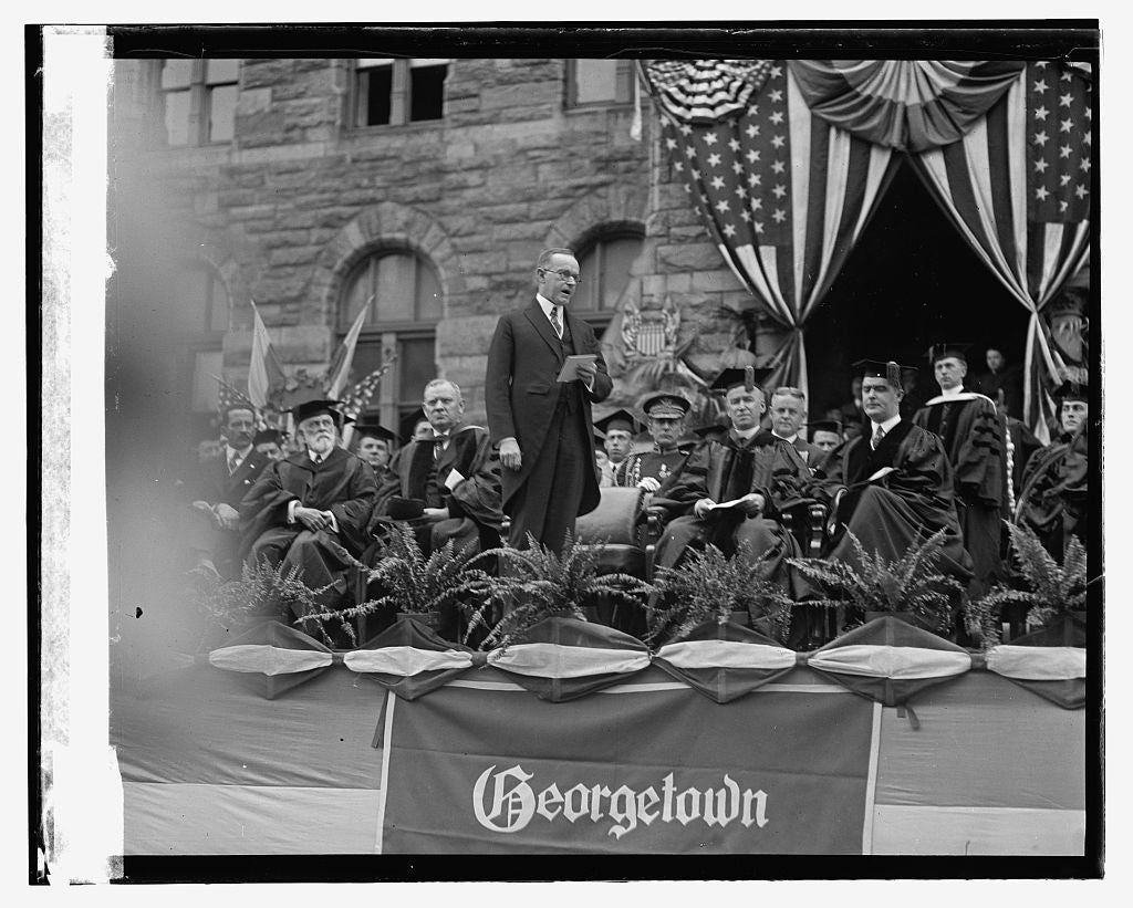 16 x 20 Reprinted Old Photo ofGeorgetown graduation, 6/9/24 1924 National Photo Co  92a