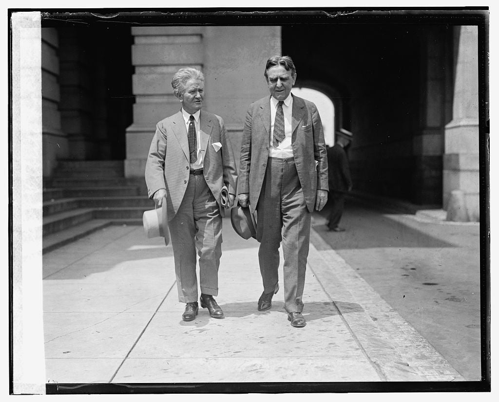 16 x 20 Gallery Wrapped Frame Art Canvas Print of Sen. La Follette & Gilbert E. Roe, 7/16/24 1924 National Photo Co  64a