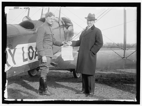 8 x 10 Reprinted Old Photo of Liberty Loans. Carter Glass Giving Victory Loan Circulars To Lt. Benjamin To Distribute By Airplane 1919 Harris & Ewing 01a