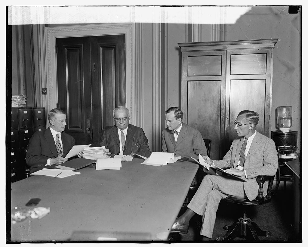 16 x 20 Gallery Wrapped Frame Art Canvas Print of Congressional Investigating Committee on U.S. Air Forces, 8/4/24 1924 National Photo Co  00a