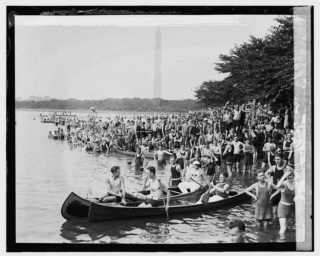 16 x 20 Gallery Wrapped Frame Art Canvas Print of Canoe Regatta and Water Carnival, Tidal Basin, 8/4/24 1924 National Photo Co  04a