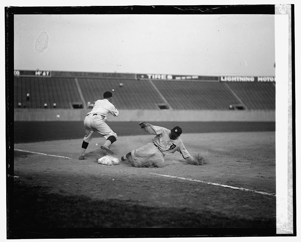 16 x 20 Gallery Wrapped Frame Art Canvas Print of Ty Cobb safe at third after making a triple, 8/16/24 1924 National Photo Co  24a
