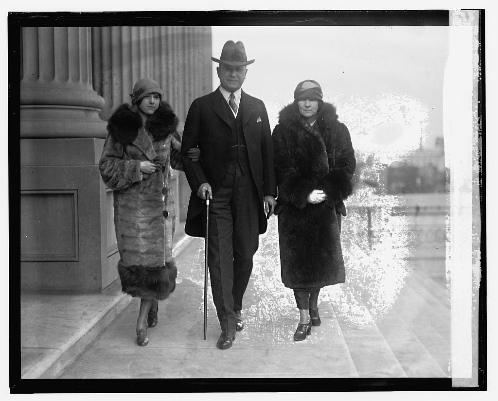 16 x 20 Reprinted Old Photo of Sen. R.N. Stansfield with wife and daughter Barbara, 12/1/24 1924 National Photo Co  42a