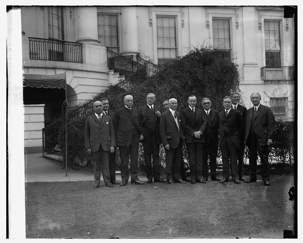 16 x 20 Reprinted Old Photo ofDelegation from Committee of 1000 at W.H., 1/8/25 1925 National Photo Co  96a