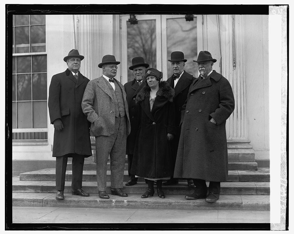 16 x 20 Reprinted Old Photo ofUS Board of Indian Commissioners at W.H., 1/21/25 1925 National Photo Co  65a