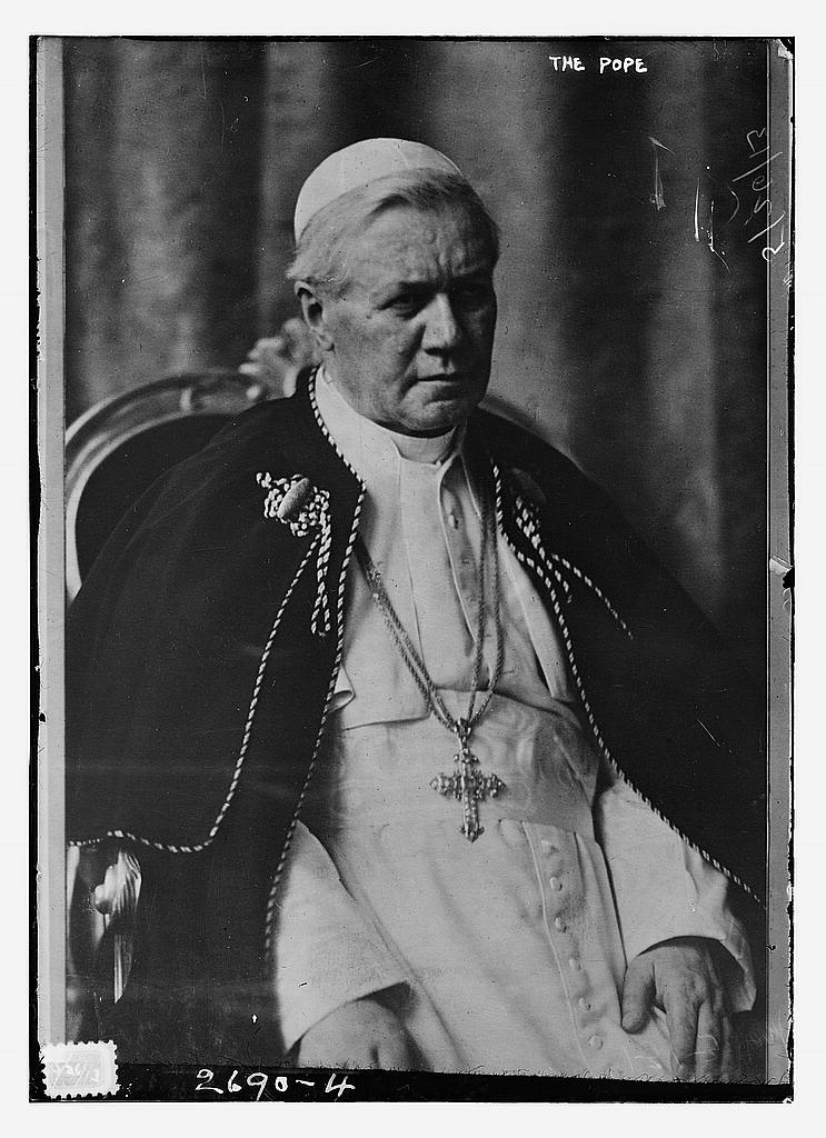 8 x 10 Photo of The Pope 1913 G. Bain Collection 33a