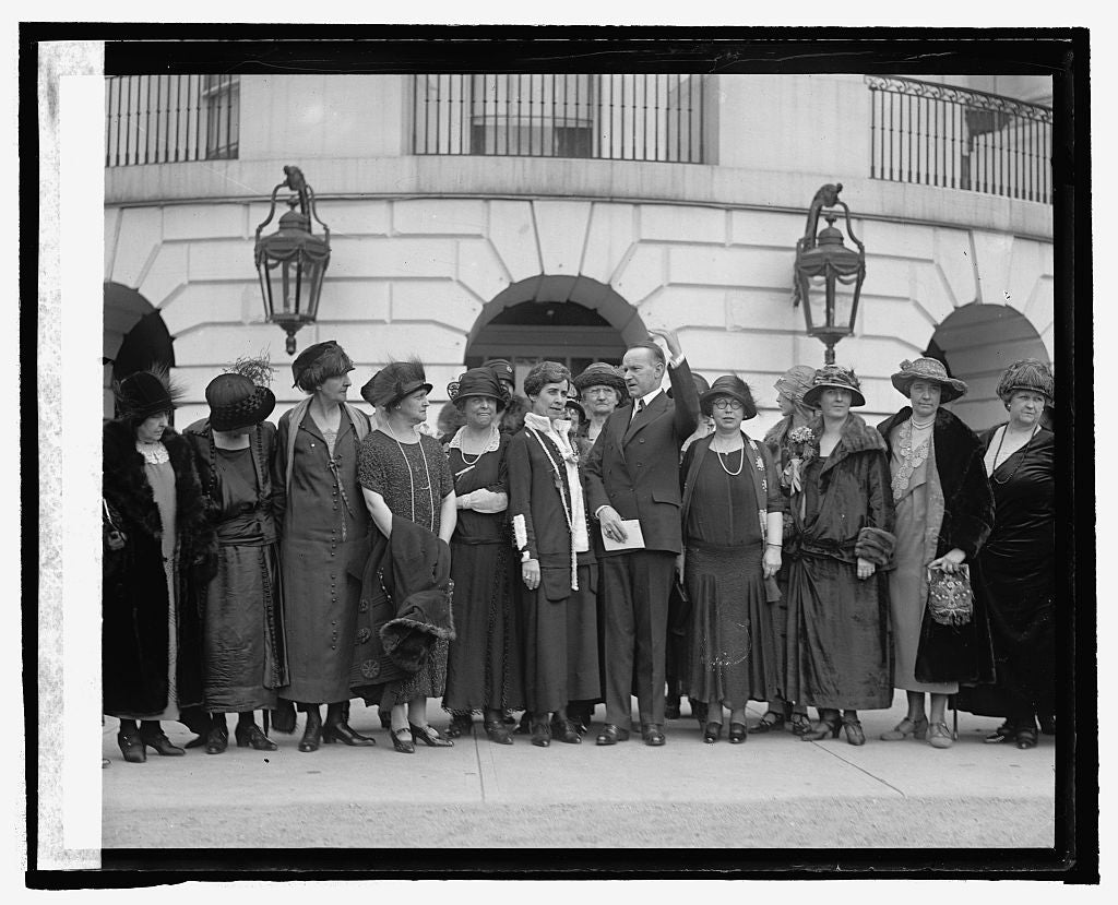 16 x 20 Reprinted Old Photo ofReps. of 16 Natl. Women's patriotic groups at W.H. 1925 National Photo Co  74a