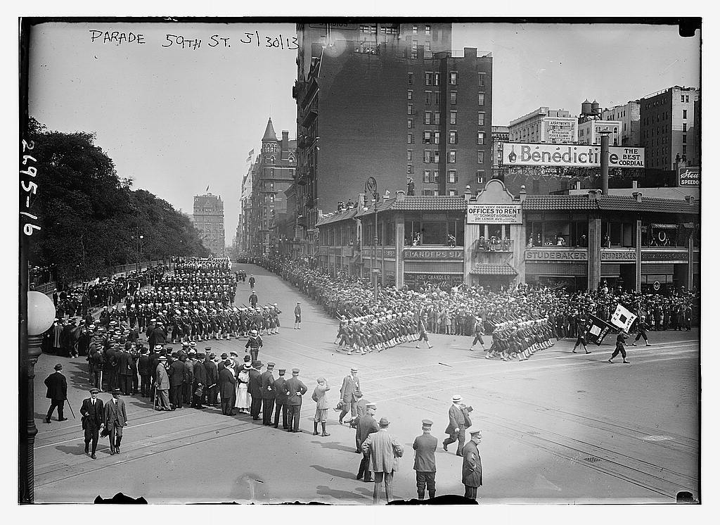 8 x 10 Photo of Parade 59th St. 1913 G. Bain Collection 92a