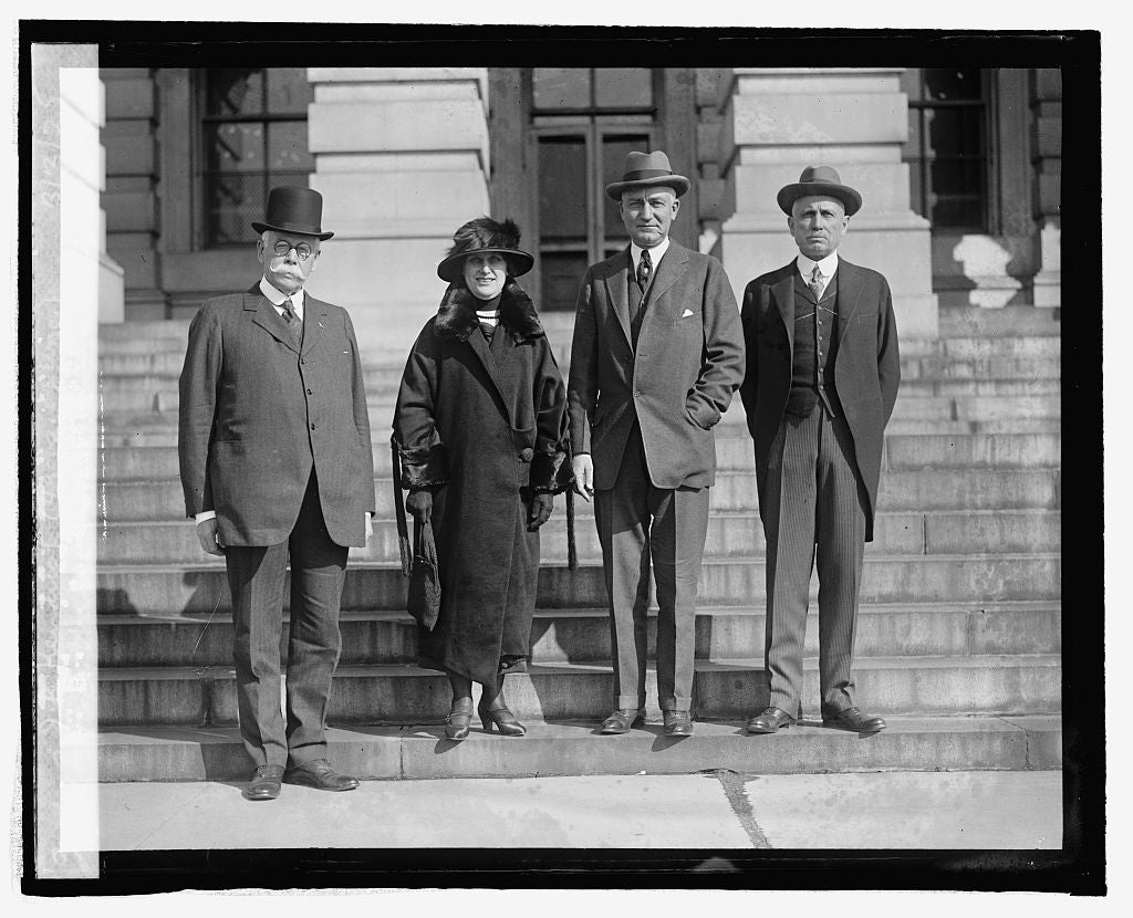 16 x 20 Reprinted Old Photo ofF.E. Warren, Mrs. Ross, R.D. Carey, & J.B. Kendrick (4 govs. of Wyo.), 3/3/25 1925 National Photo Co  07a