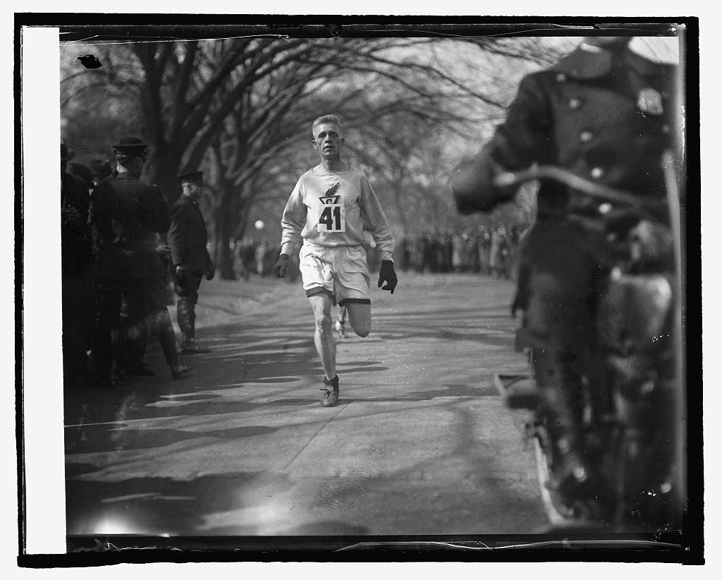 16 x 20 Reprinted Old Photo ofWhitey Michelsen winning 10 mile run, 3/3/25 1925 National Photo Co  11a