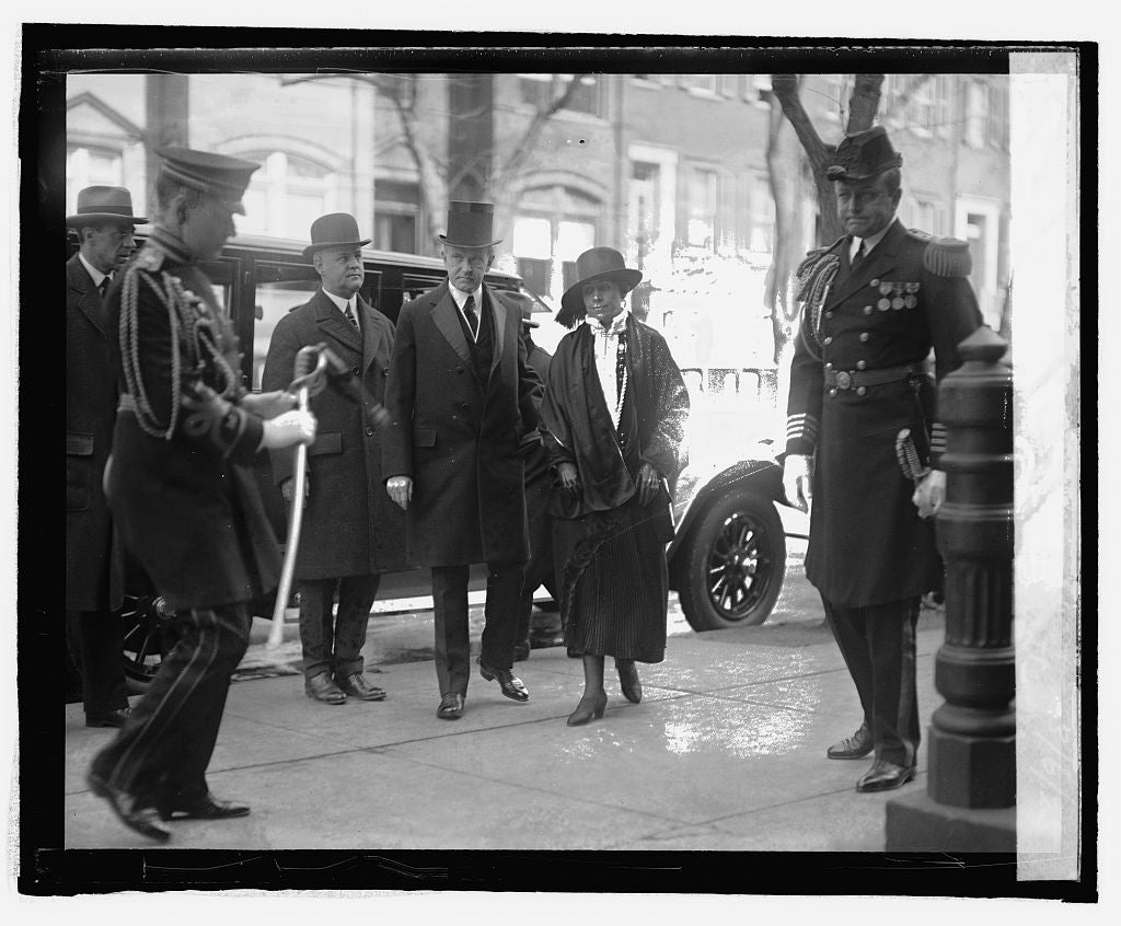 16 x 20 Reprinted Old Photo ofPres. & Mrs. Coolidge attend services to late Pres. Ebert, 3/6/25 1925 National Photo Co  20a