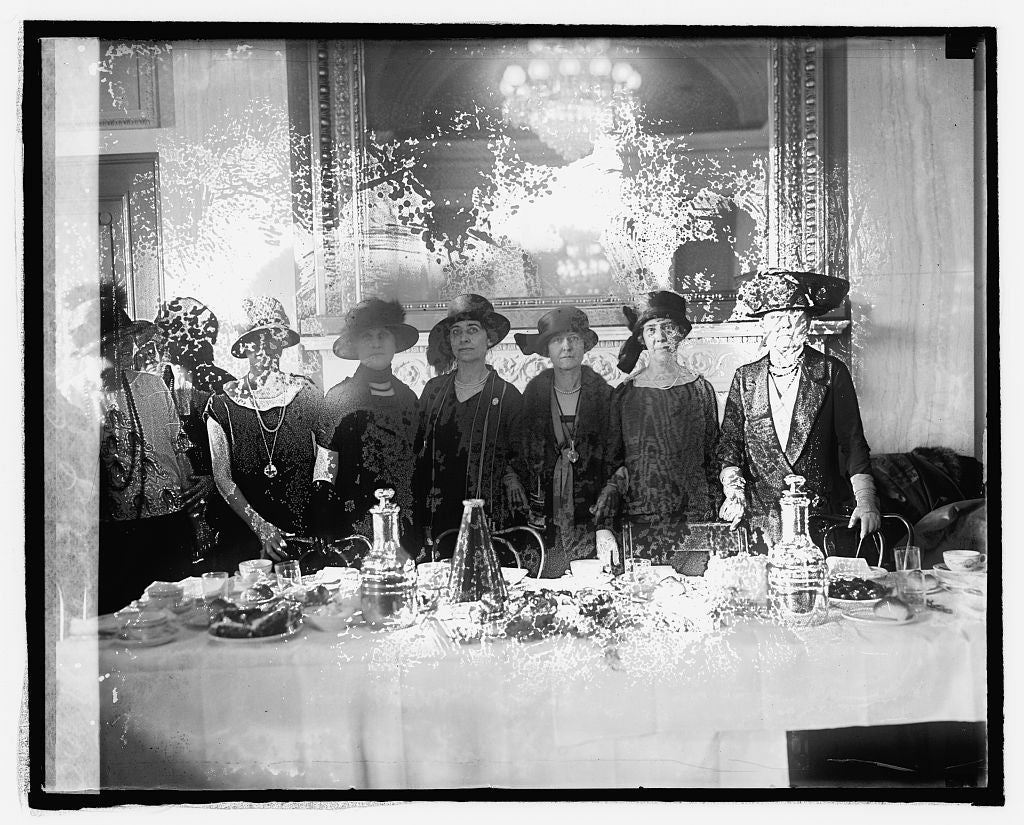 16 x 20 Reprinted Old Photo ofSenate ladies luncheon at Capitol 1925 National Photo Co  42a