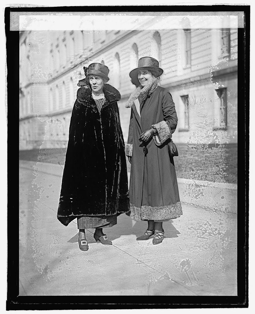16 x 20 Reprinted Old Photo ofMrs. Dawes & Mrs. Coolidge, 3/3/25 1925 National Photo Co  45a