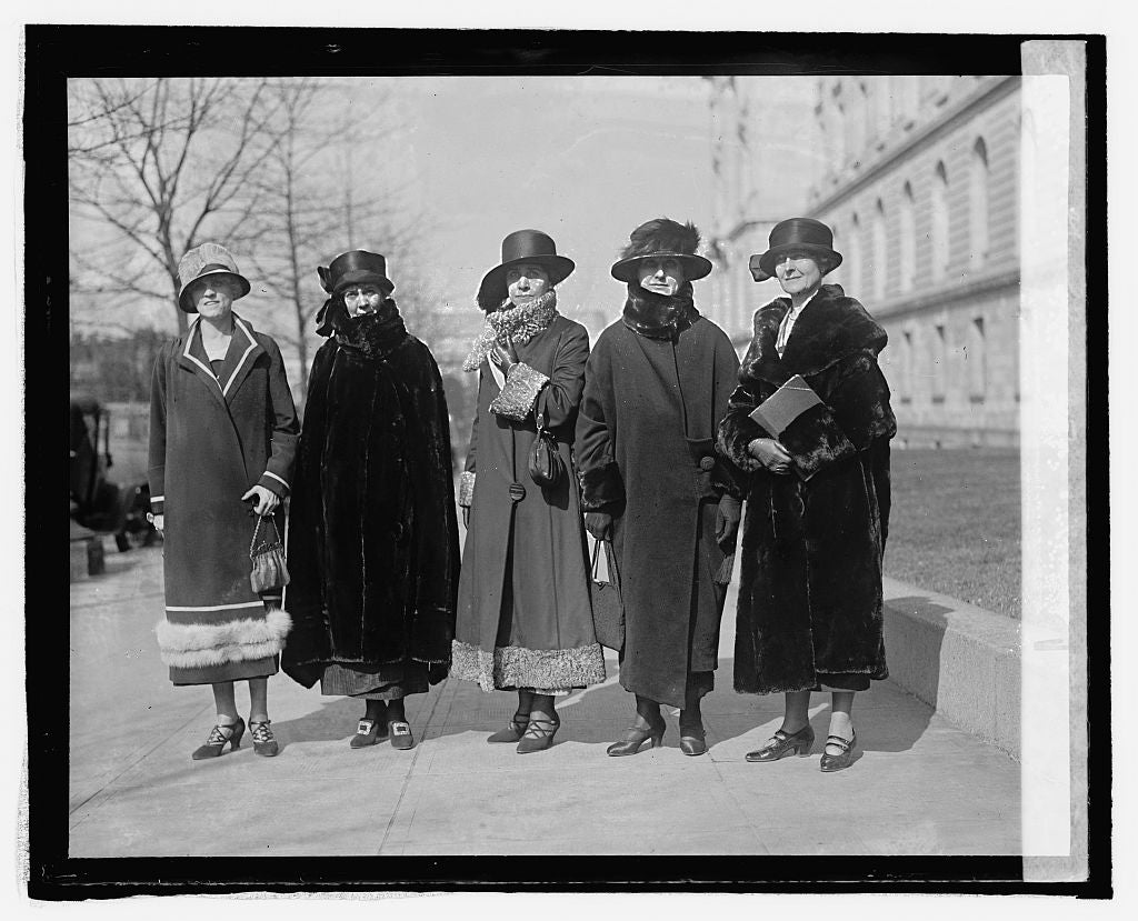 16 x 20 Reprinted Old Photo ofMrs. Kendrick, Dawes, Coolidge, Gov. Ross, & Mrs. Robinson, 3/3/25 1925 National Photo Co  46a
