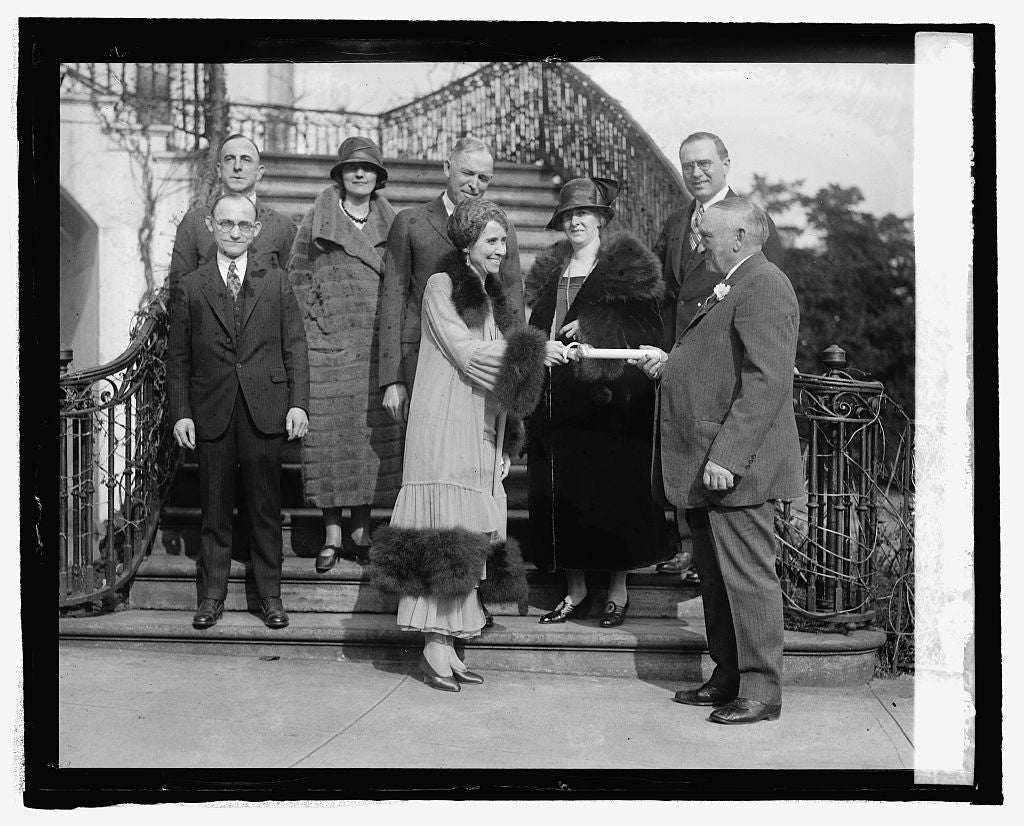 16 x 20 Reprinted Old Photo ofFur dealers of Vermont present Mrs. Coolidge with coat, 3/9/25 1925 National Photo Co  64a