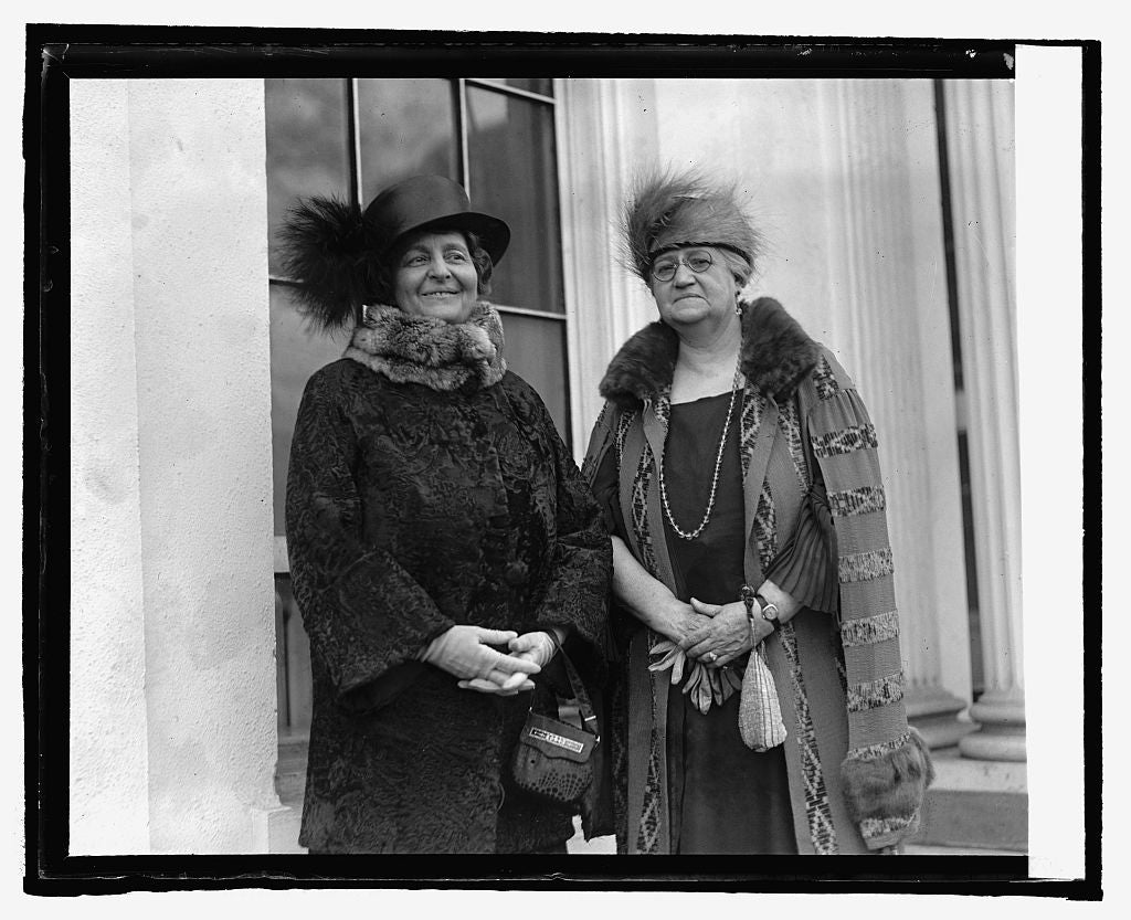 16 x 20 Reprinted Old Photo ofMrs. A.T. Hert of Ken. and Mrs. J. Hyde of Utah, 3/21/25 1925 National Photo Co  86a
