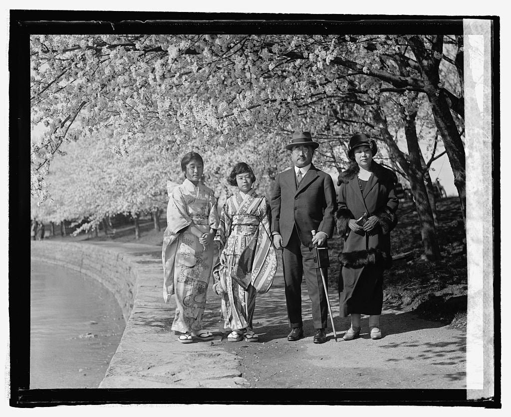 16 x 20 Reprinted Old Photo ofAmb. Matsudaira with wife and daughters, Tsuneo Matsudaira, Japanese Ambassador to the U.S., at the Tidal Basin, 1925 National Photo Co  52a