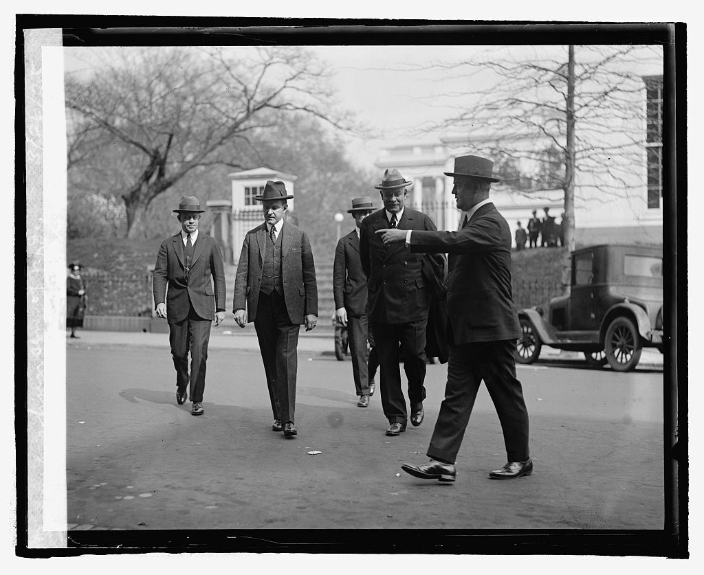 16 x 20 Reprinted Old Photo ofPres. Coolidge & J.S. Freling-Huysen of N.J., 3/26/25 1925 National Photo Co  60a