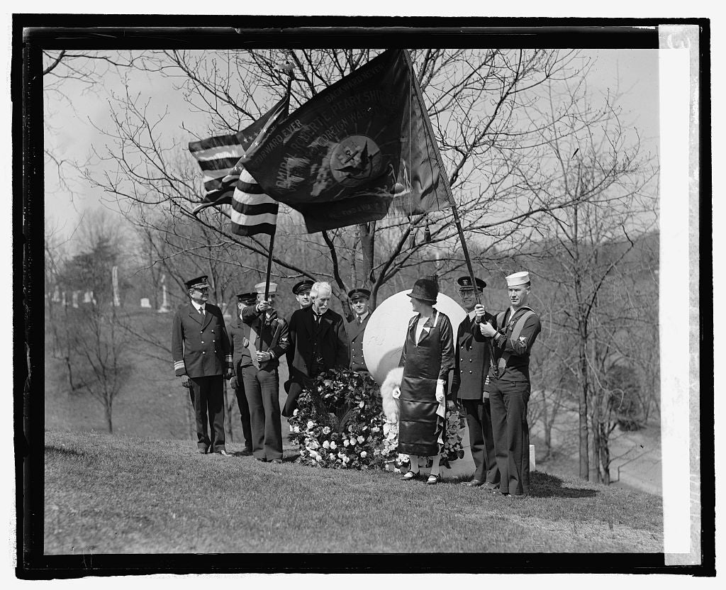 16 x 20 Reprinted Old Photo ofMemorial service at grave of Admiral R.F. Peary, 4/6/25 1925 National Photo Co  02a