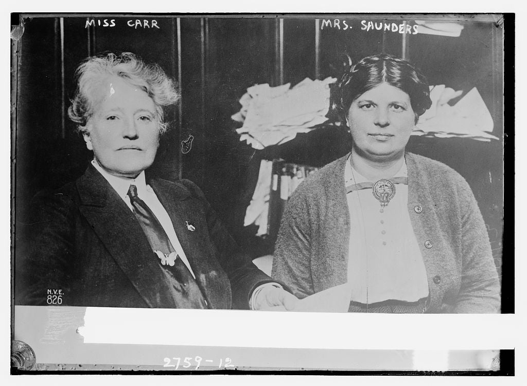 8 x 10 Photo of Miss Carr and Mrs. Saunders 1913 G. Bain Collection 14a