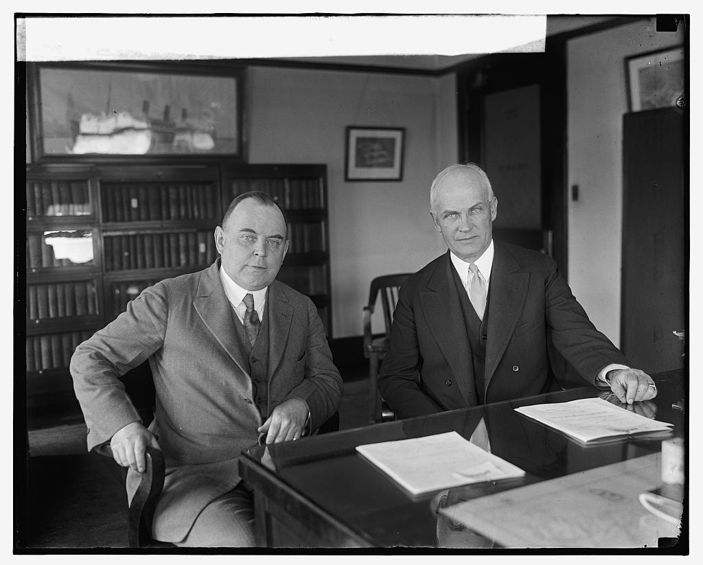 16 x 20 Gallery Wrapped Frame Art Canvas Print of W.W. Husband and Robe Carl White, 5/13/25 1925 National Photo Co  90a