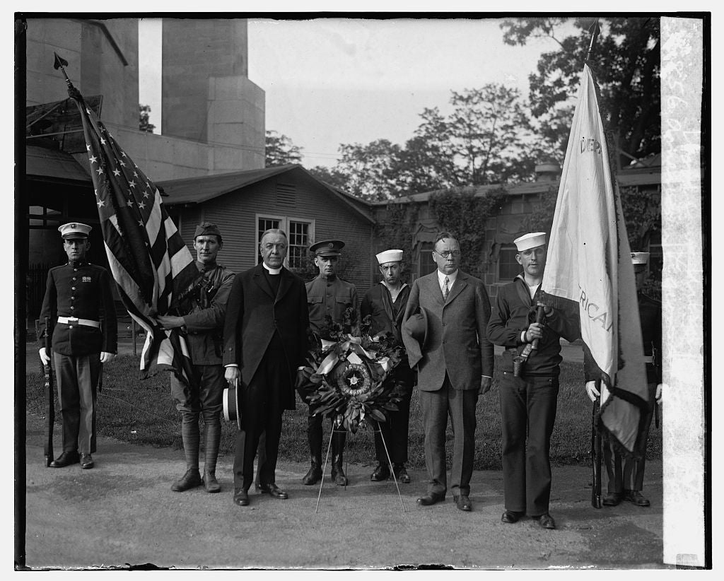 16 x 20 Gallery Wrapped Frame Art Canvas Print of American Legion at Tomb of Woodrow Wilson, 5/29/25 1925 National Photo Co  90a