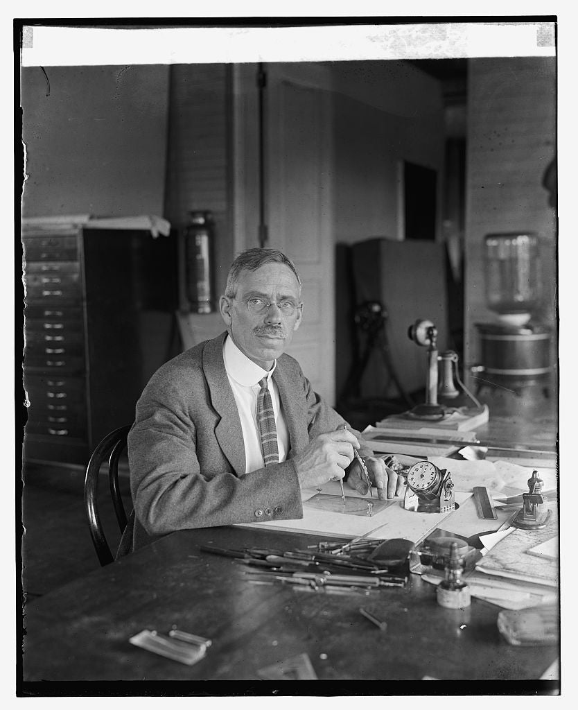 16 x 20 Reprinted Old Photo ofAlbert H. Brimstead of Nat'l. Geog. Soc. with 24 hour watch, 6/1/25 1925 National Photo Co  66a