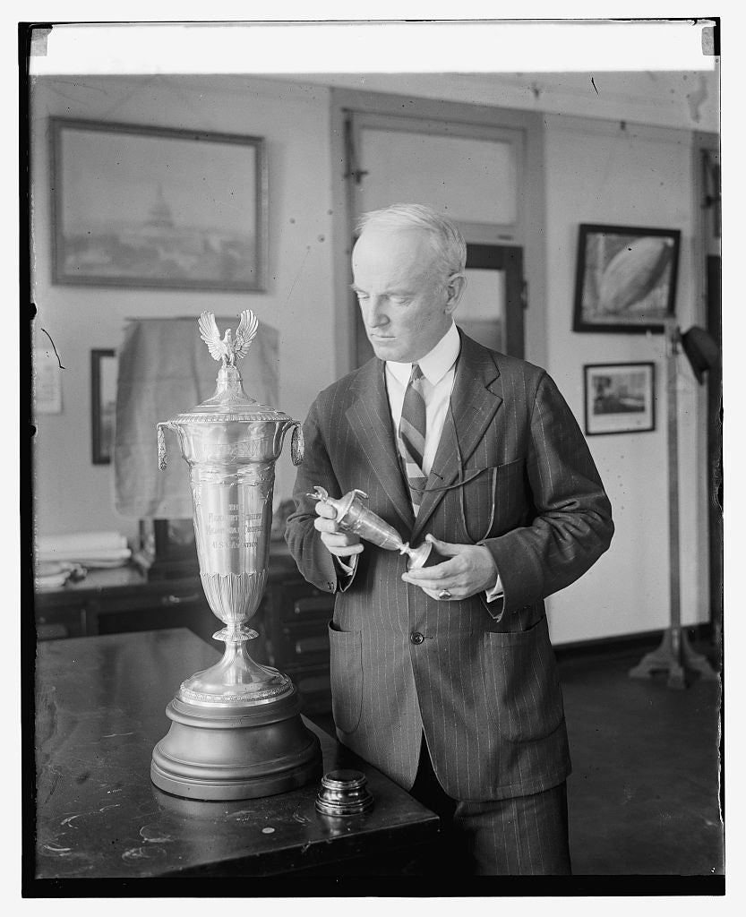 16 x 20 Reprinted Old Photo ofAdmiral Wm. A. Moffett with Schiff trophy, 6/10/25 1925 National Photo Co  68a