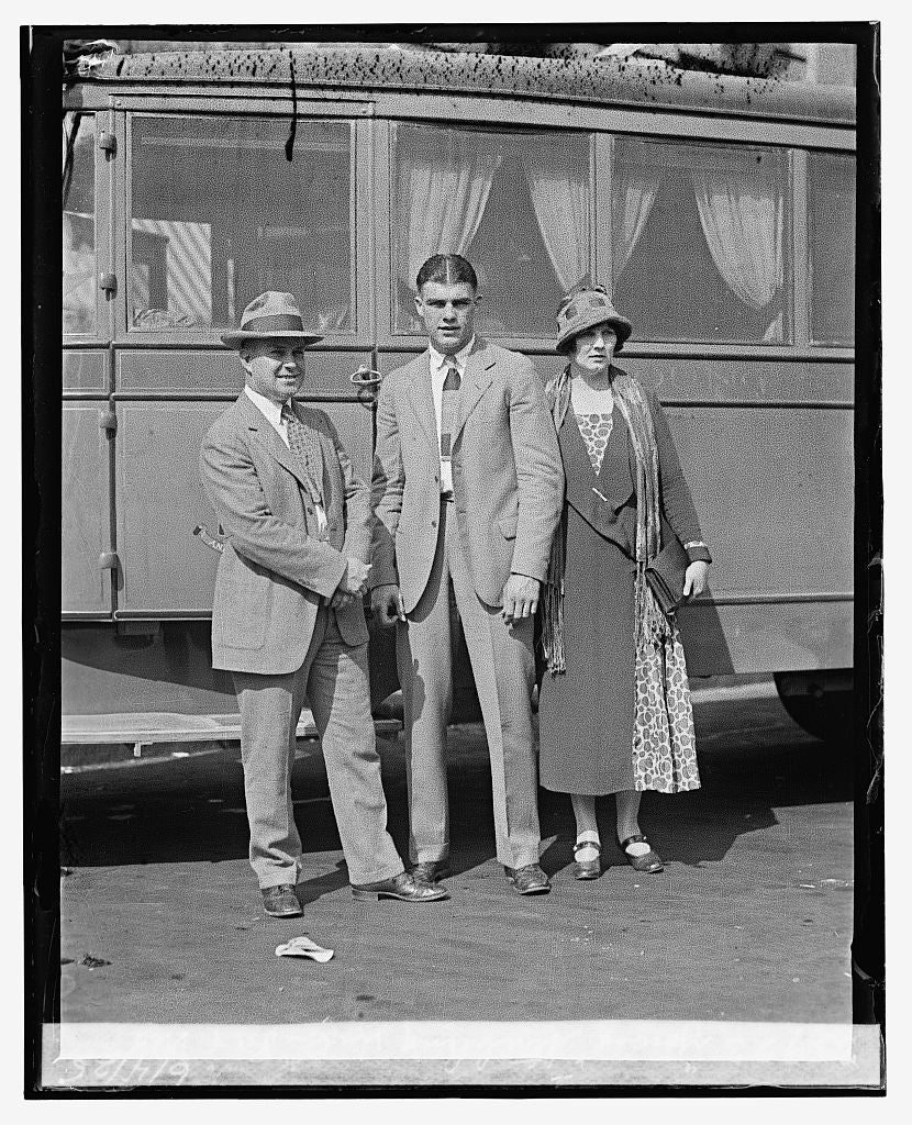 "16 x 20 Reprinted Old Photo of""Young"" Stribling with ""Pa"" & ""Ma,"" 6/4/25 1925 National Photo Co  13a"