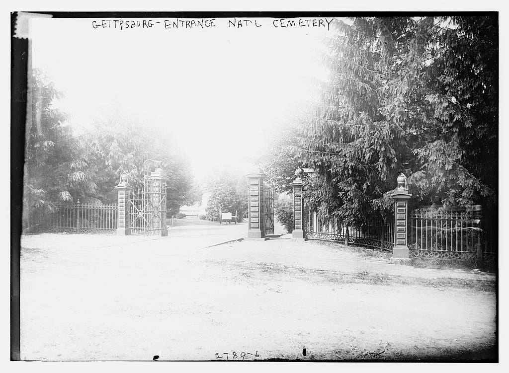 8 x 10 Photo of Gettysburg Entrance Nat'l Cemetery 1913 G. Bain Collection 86a