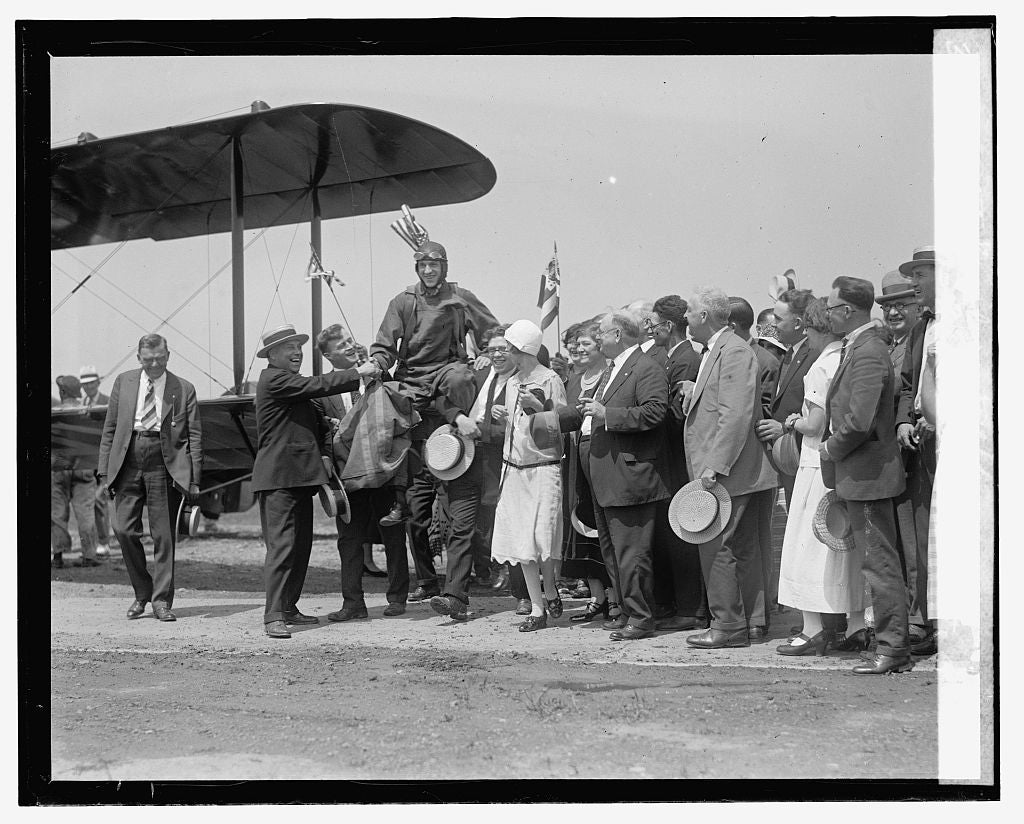 16 x 20 Reprinted Old Photo ofGeorge Zieber - 1st Maccabee arrives at Bowling Field, 6/30/25 1925 National Photo Co  79a