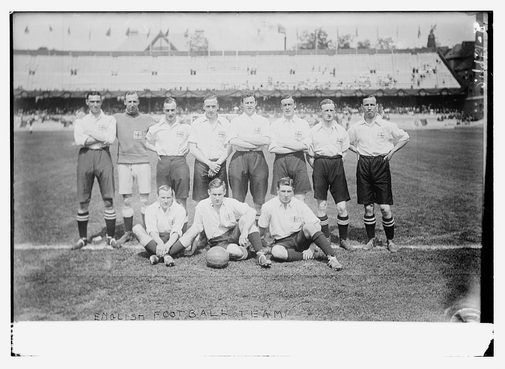 8 x 10 Photo of English football team 1912 G. Bain Collection 93a