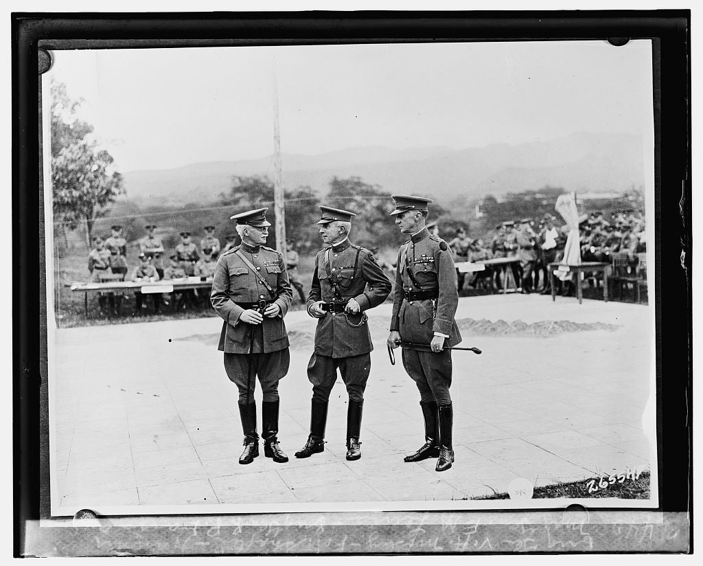 16 x 20 Reprinted Old Photo ofMaj. Gen. E.M. Lewis, Brig. Gen. R.P. Davis and Brig. Gen. V.A. Mosley, Fort Shafter, Hawaii 1925 National Photo Co  56a