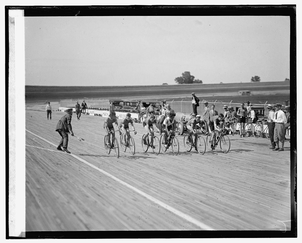 16 x 20 Reprinted Old Photo ofLaurel bicycle races, 7/18/25 1925 National Photo Co  87a