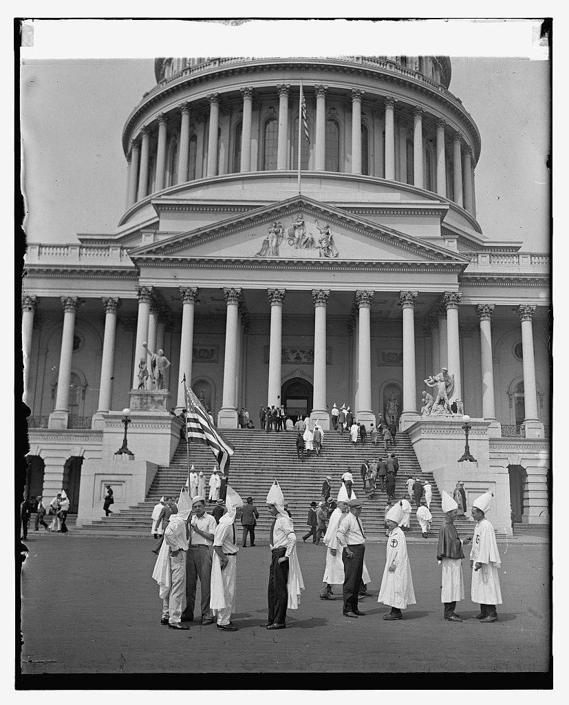 16 x 20 Reprinted Old Photo ofKlansmen sightseeing at the Capitol, 8/8/25 1925 National Photo Co  16a